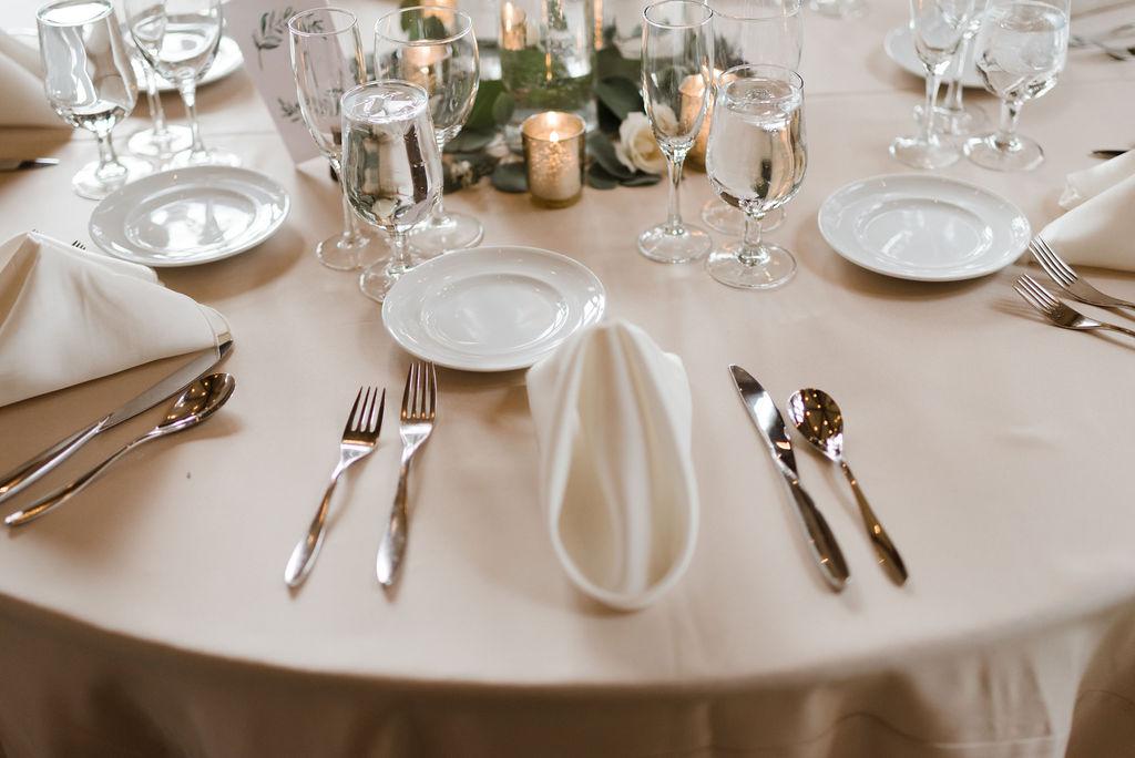 Romantic Della Terra Reception Table Centerpiece