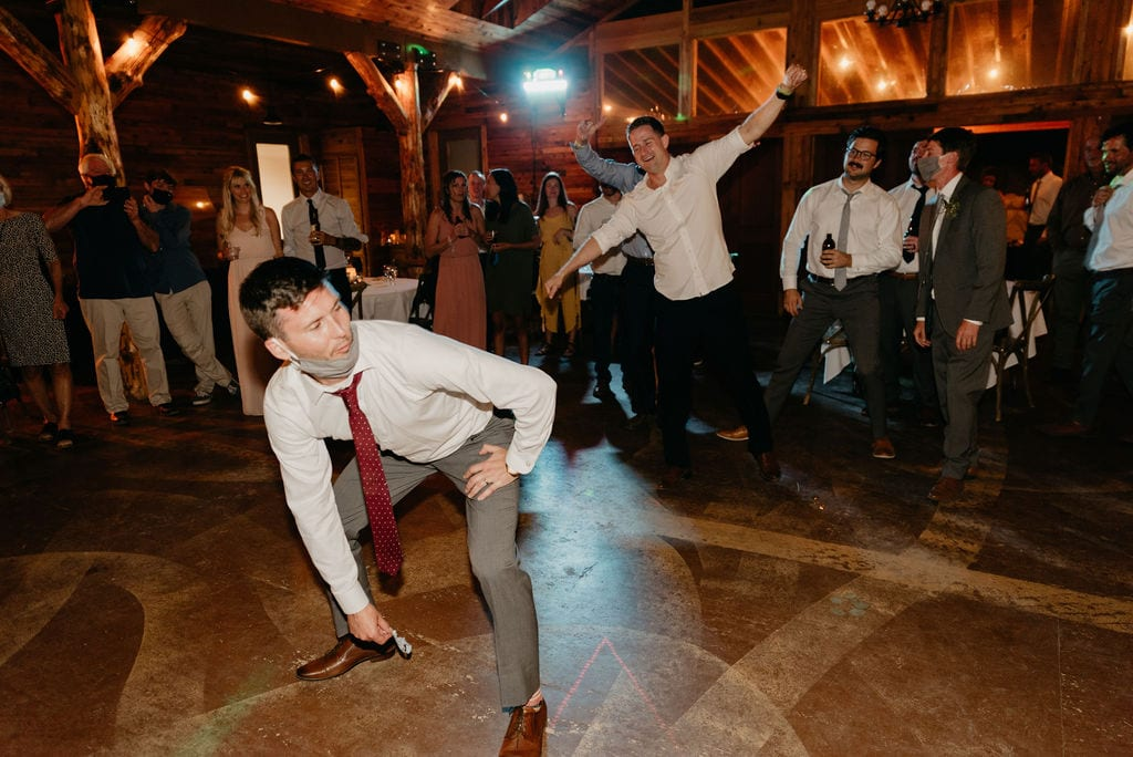 Fun dancing at mountain view ranch wedding