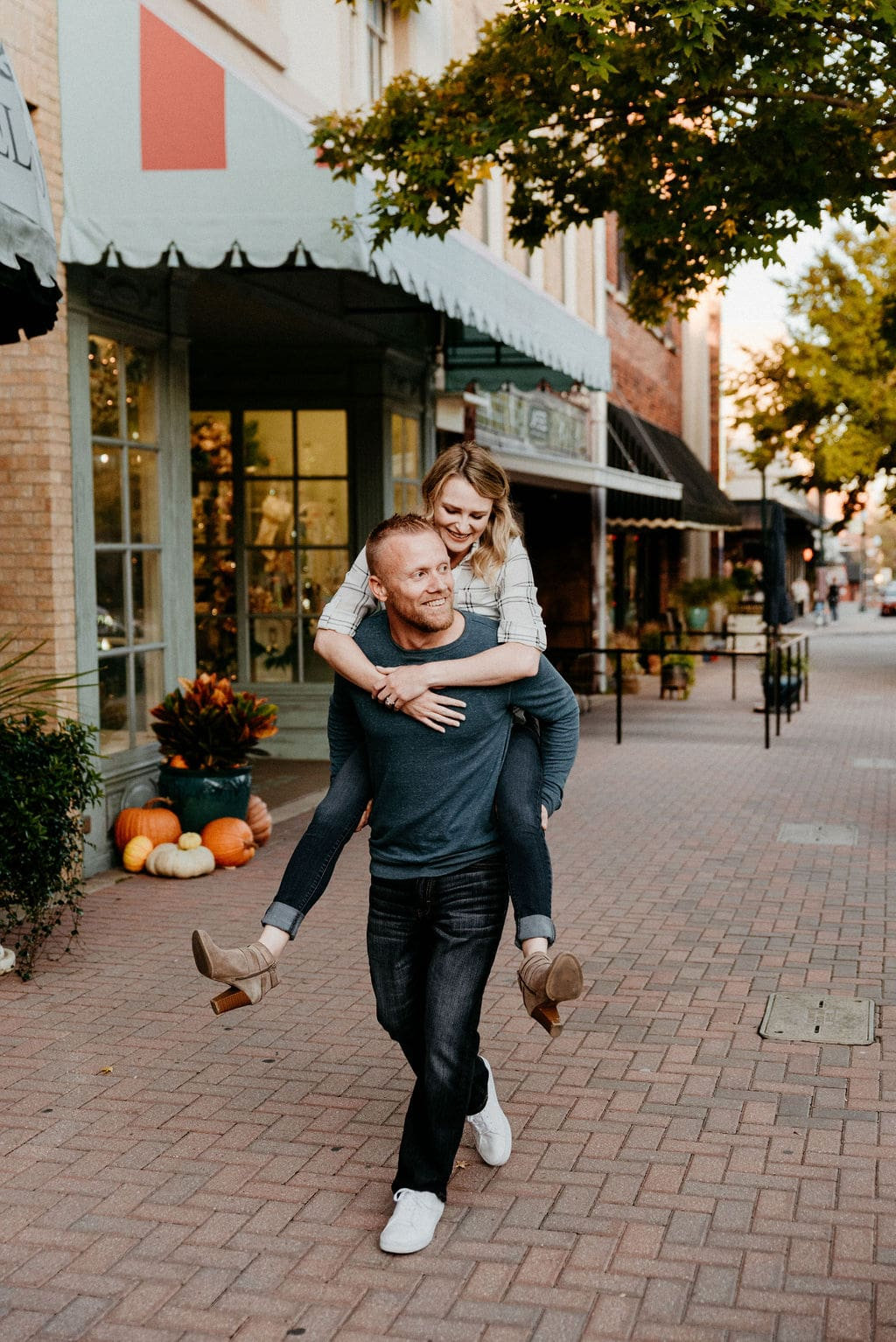McKinney Texas Engagement Session in the Square