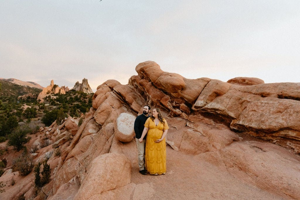 Pikes peak garden of the gods maternity session
